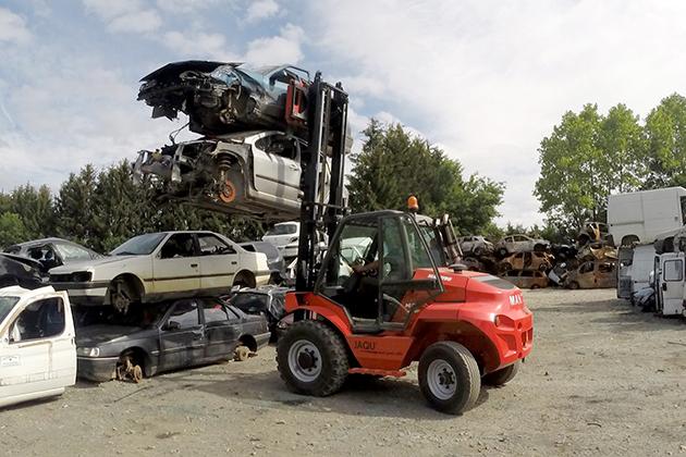 【3.0噸】 柴油2驅越野堆高機 11