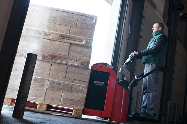 EP22 PFR6 / 2.2噸站駕式電動拖板車 6