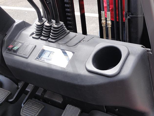 【1.8噸】柴油工業堆高機 8